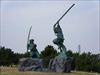 武蔵と小次郎像